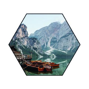 Hexagon   Rivier met bergen